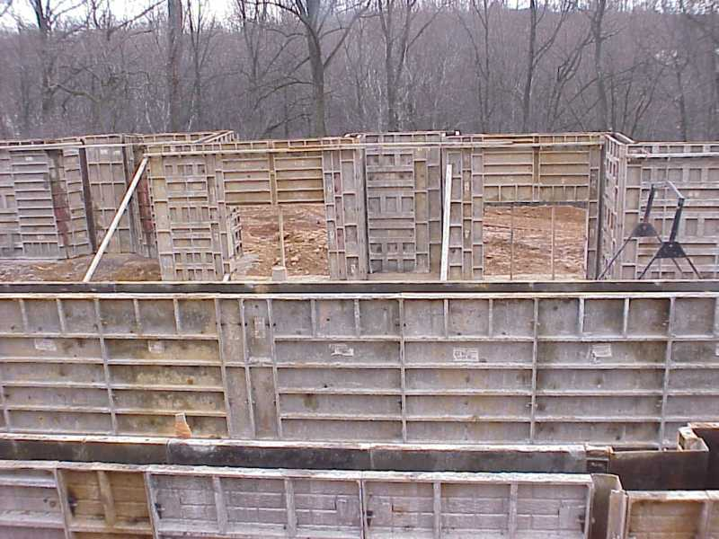 Our house basement wall forms for Basement wall forms